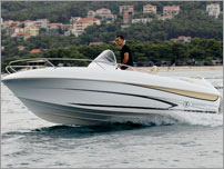 rent a exclusive speed boat - Beneteau Flyer 550 Sun Deck with Honda 115 HP