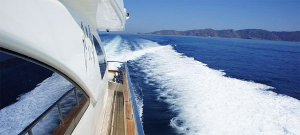 Azimut 80 luxury yacht for charter in Croatia