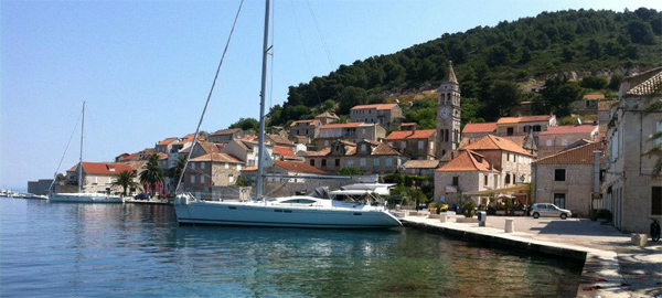 Jeanneau Sun Odyssey 54 DS sailng boat for charter in Split Dalmatia Croatia