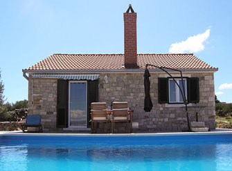 Charming Dalmatian stone house in Postira on Brač Island