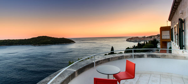Dubrovnik luxury design villa with pool and stunning views on Dubrovnik city wals and the Adriatic