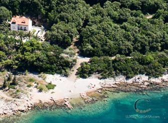 Waterfront luxury villa in Dubrovnik with pool