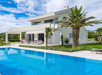 Elegant and luxury beach villa in Divulje near Split