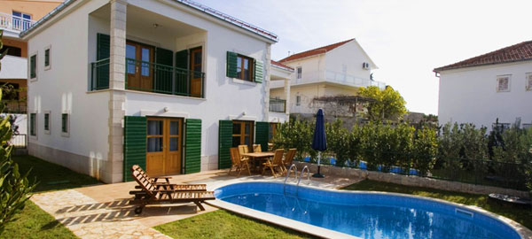 Villa with pool for rent on Hvar island in Split region - Dalmatia