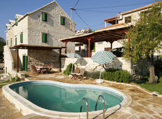 Old Dalmatian stone villa with pool in Sumartin on Brac island