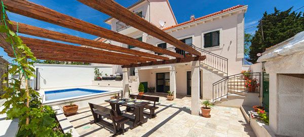 Four star holiday rental villa with swimming pool in Povlja on Brač Island