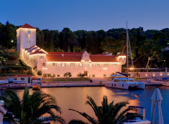 Luxury Seafront Castle - Villa on the island of Solta in Split region