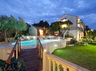 Exclusive villa with swimming pool on Čiovo Island near Trogir