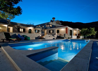 Luxury villa with views over the Kastela Bay in Split area