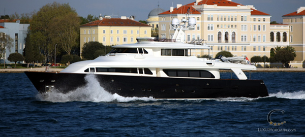 Luxury yacht charter Croatia - 5 cabins / sleeps 10+2 - homeport Zadar