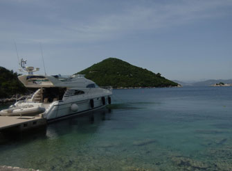 Fairline Squadron 55 - Luxury Yacht for Charter in Dubrovnik Croatia