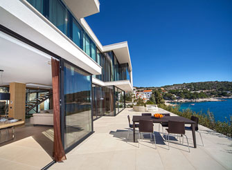 Exclusive seaside villa with pool near Primošten