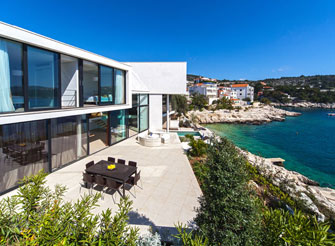Stylish seaside villa with pool near Primošten in Dalmatia