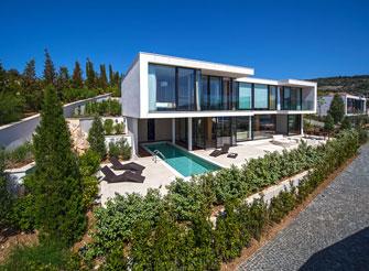 Seaside villa with pool near Primošten