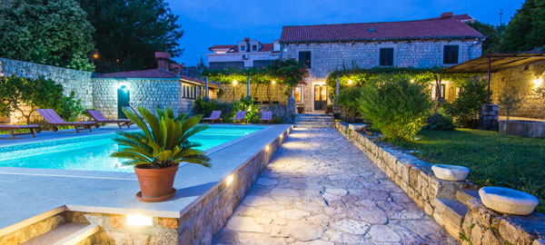 Old renovated villa from 16th century near Dubrovnik old city with pool