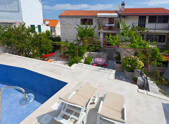 Holiday rental villa with swimming pool in Sutivan on Brač Island