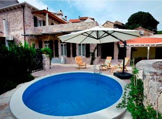Stone holiday villa with swimming pool on Hvar Island