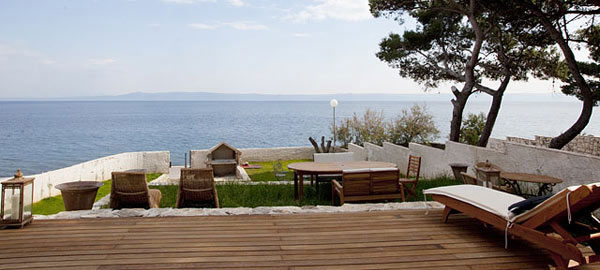 Seaside holiday rental villa on sea in Sumartin on Brač Island