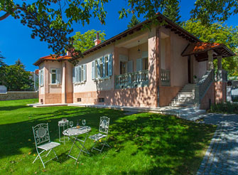 Vintage villa with swimming pool in Sinj - hinterland of Split