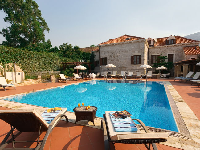 Small luxury historical boutique villa hotel in dubrovnik for Luxury pool area