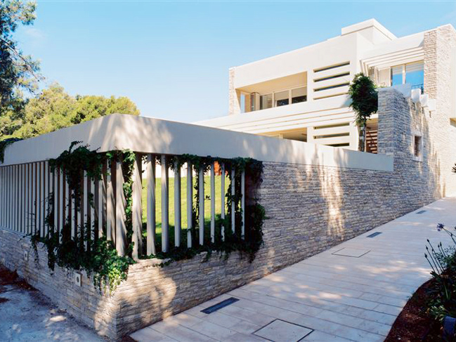 luxury seafront villa in bol outside