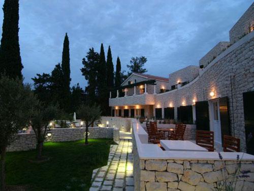 Bra ka perla supetar bra luxury exclusive croatia for Boutique hotel croatie