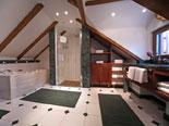 En-suite bathroom in the third bedroom in luxury Dubrovnik villa for rent
