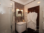 Bathroom - other view - in master bedroom 1 in seafront Dubrovnik luxury villa