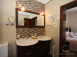 Bathroom in master bedroom 2 in seafront Dubrovnik luxury villa
