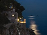 Luxury & Exclusive Villa with pool and view on the Old Dubrovnik City walls by night