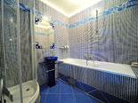 Ensuite bathroom of the master bedroom on ground floor in the luxury Hvar villa