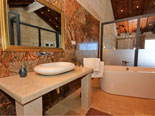 En-suite bathroom of the west bedroom on the top floor of the Korcula holiday villa for rent
