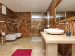 En-suite bathroom of the east bedroom on the first floor of the Korcula villa for rent