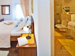 Luxury Villa on Dubrovnik Riviera - Bedroom and Bathroom