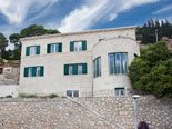 Luxury Dubrovnik villa from the road