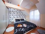 Second floor - Apartment 2 - bedroom