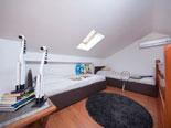 Second floor - Apartment 2 - Twin bedroom