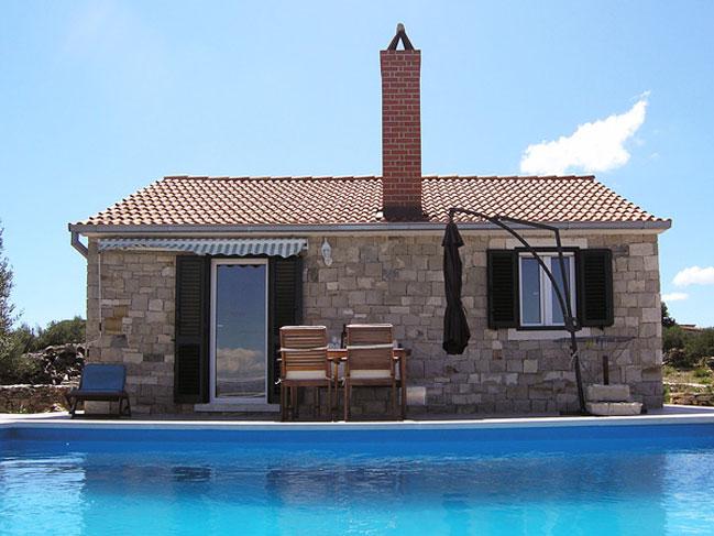 Dalmatian stone house for rent in Postira on Bra island  : dalmatian villa brac croatia postira ST38 01 from www.luxurycroatia.com size 649 x 487 jpeg 71kB