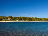 This beach villa is located in a beautiful bay just 1000 m from Supetar city center