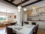 Dining and kitchen in Dalmatian holiday villa with pool for rent in Sumartin on Brač Island