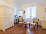 Other view on the master suite in this Dubrovnik villa for rent